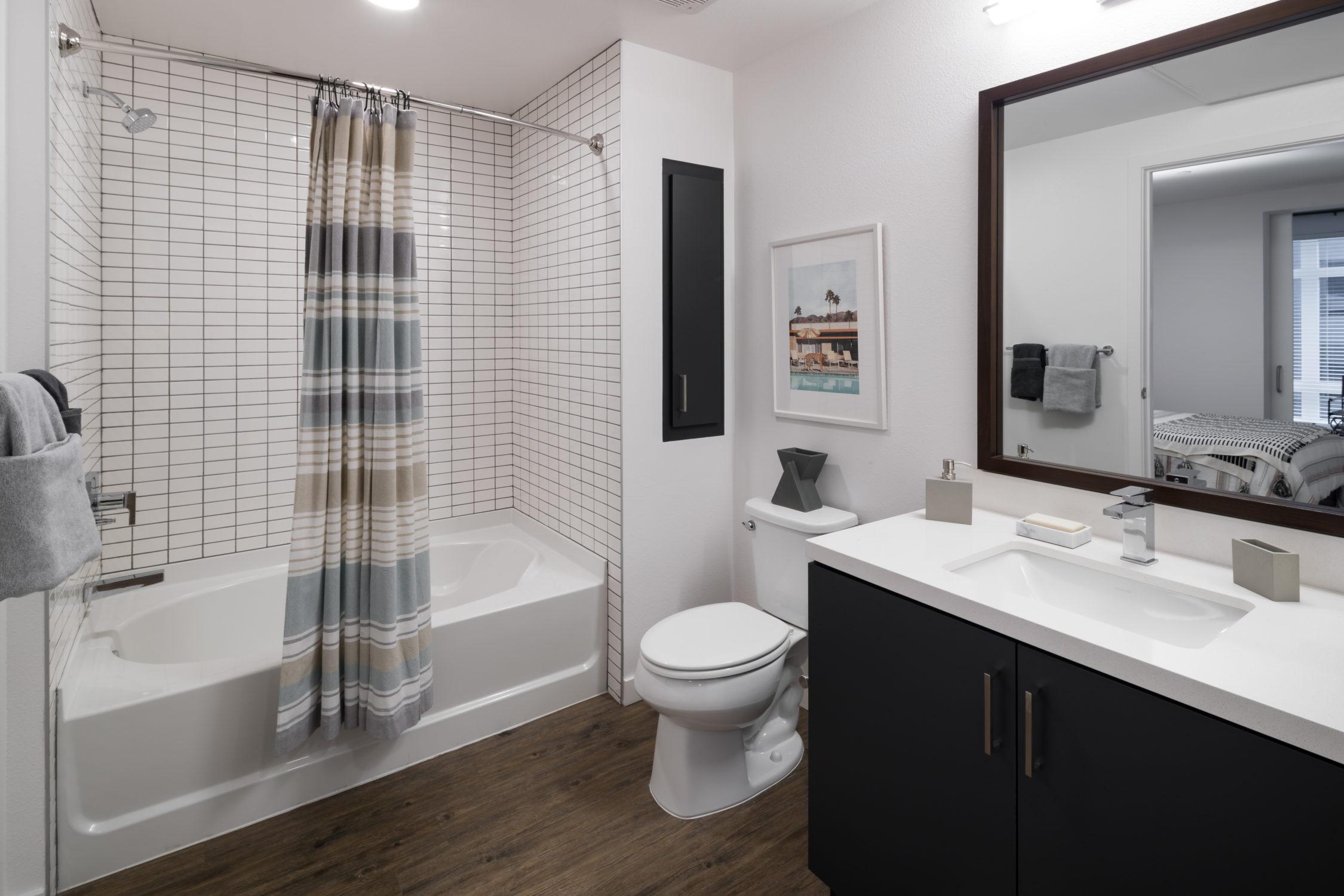 INT 08 One Bedroom Interior Bathroom TCRA 4193 080